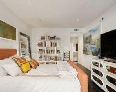 306 Bora Bora Way, Los Angeles, CA 90292 1 Bedroom Condo