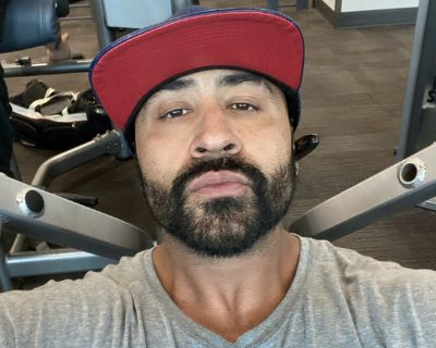 Big Gym Freak looking for a Room