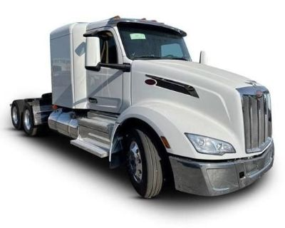 2022 PETERBILT 579 Sleeper Trucks Heavy Duty