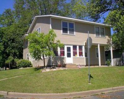 401 Lewis St, River Falls, WI 54022 3 Bedroom Apartment