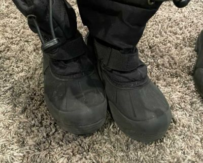 Black winter boots size 12