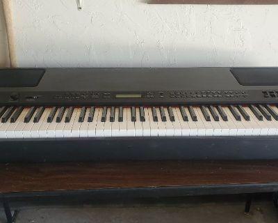 Yamaha P250 electric stage piano