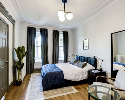 Fully Furnished Queen Room in Capitol Hill #173 2A
