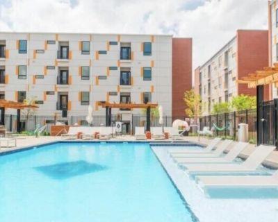 B's Luxury 3 BR Apartment In Indianapolis - Lockerbie Square