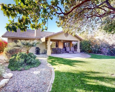 Spacious, Dog-Friendly Home in Golf Course w/Central AC/Free WiFi/2 Shared Pools - Indio