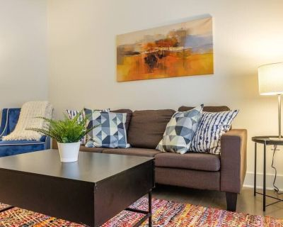 Signature 1BR Apt in Riverwest - Fifth Ward
