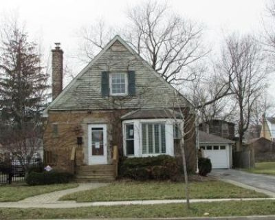 2.0 Bath Preforeclosure Property in Mount Prospect, IL 60056 - S Elmhurst Ave