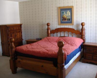 Bedroom Suite, pine, 6 pieces, handcrafted in Quebec. Queen bed incl. mattress &...