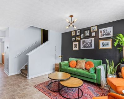 Cozy Modern- 2br Townhouse (Mins from the airport) - Riverdale