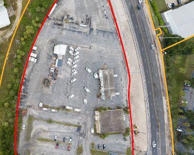 Prime US-41 Development Opportunity +/- 5.48 acres