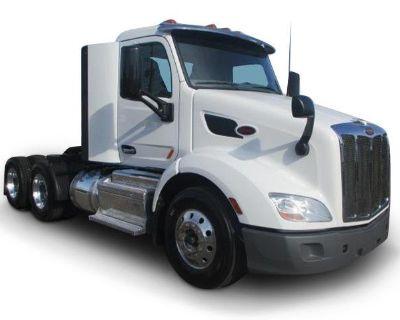 2017 PETERBILT 579 Day Cab Trucks Truck