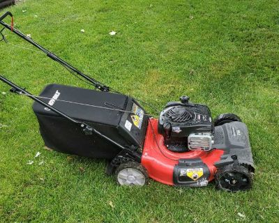 """21"""" Troy Built Snapper - Self-Propelled Push Mower with Bagger and New Blade 550 ex. Like-New, Runs great just switched to a riding mower."""