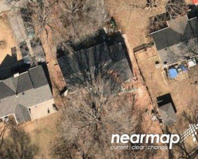 2 Bed 1 Bath Preforeclosure Property in Independence, MO 64052 - W 27th Ter S