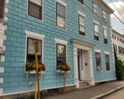 52 Washington St Apt 5 #Apt 5, Marblehead, MA 01945 Studio Apartment
