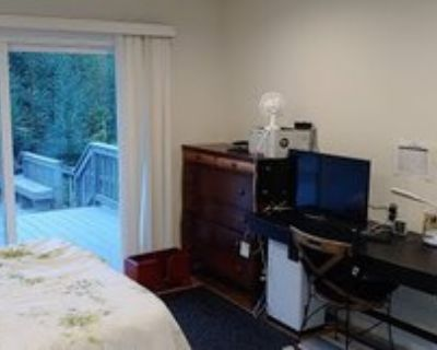 Fully furnished studio on the Stanford campus
