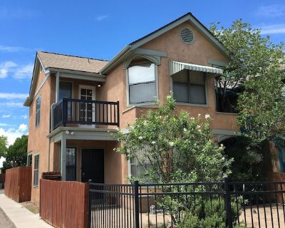 Super Cute Town Home Near Old Town!!! - Sawmill Area