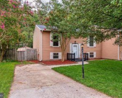 8229 Lexington Dr #1, Severn, MD 21144 3 Bedroom Apartment