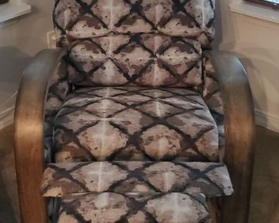 RECLINER CLOTH CHAIR
