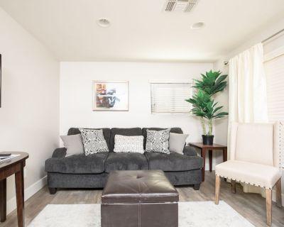 3BR Remodeled Home in Mesa   Near LightRail   CAR! - Mesa