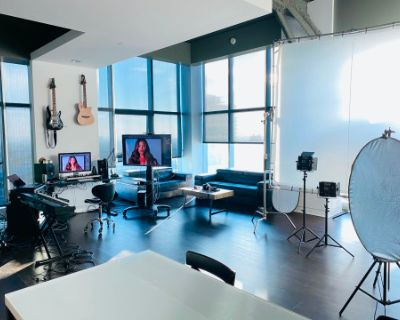 Hollywood High Rise Loft with Great Views, Los Angeles, CA