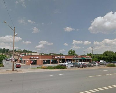 Retail Space For Lease in Little Rock