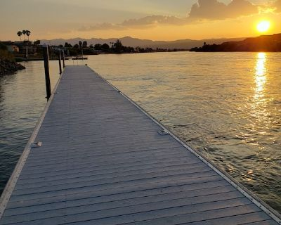 Beautiful Riverview Condo with Boat Launch - Bullhead City