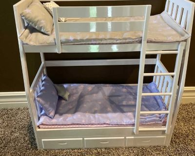 Doll bunk beds- like new!