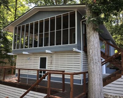 Welcome to Relaxing Driftwood Lake Cottage on Ft. Loudon Lake - Friendsville
