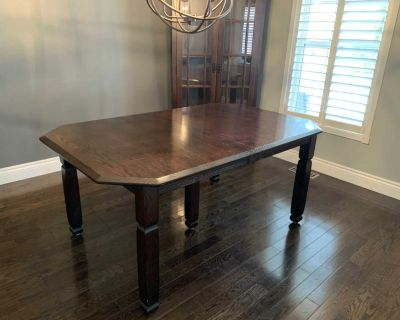 Amish dining table with hidden leaf. Espresso finish