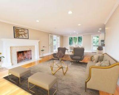 32 Cambridge St, Winchester, MA 01890 4 Bedroom Apartment