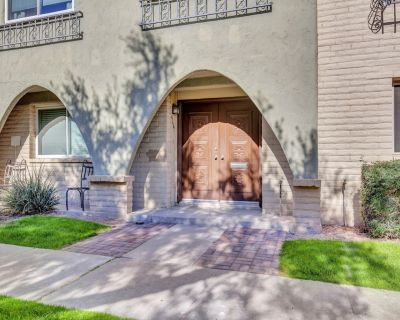 Walk to the best locations in Old Town Scottsdale - Casa Granada East Townhouses