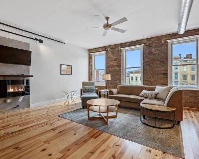 Lavish, Historic, Beautiful View with Local Vibe- Enormous Patio- 3A - Over-the-Rhine