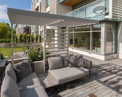 Modern Luxury on Beacon Hill Park - Fairfield