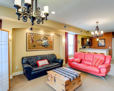 Fully Furnished Executive townhouse in Downtown Colorado Springs. Mountain View-Pets OK - Central Colorado Springs