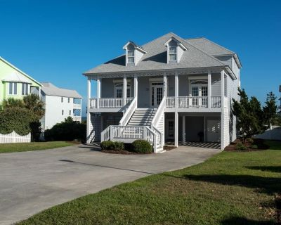 Oceanfront Vacation Rental with Hot Tub and Community Pool Access! - Emerald Isle