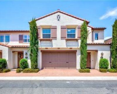 147 Overbrook, Irvine, CA 92620 3 Bedroom Condo