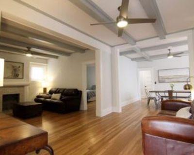 901 E 39th St #909, Kansas City, MO 64109 2 Bedroom Apartment