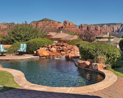 Stylish Contemporary Interiors, Pool, Excellent Views, Month Stays Only! - Oak Creek