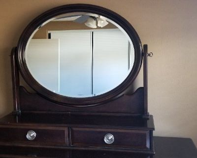 Tabletop mirror w/2 drawers