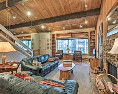 NEW! Tahoe Townhome Dreamin : 3Mi to Lake & Skiing - Incline Village