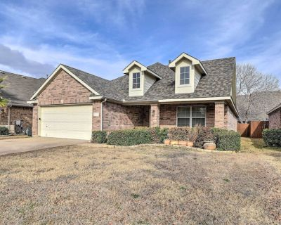NEW! Pet-Friendly Home, Near Ft. Worth Stockyards - Fort Worth