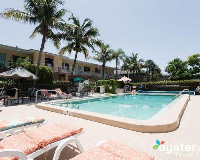 Hideaway Waterfront Resort - Caloosahatchee