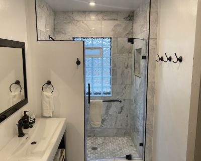 Marble | Granite | Stainless | Near Downtown - Holy Cross