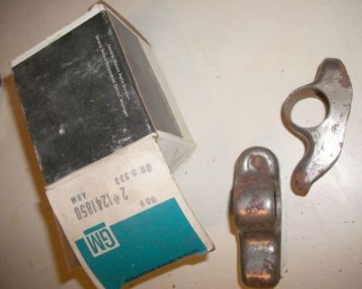 Nos 1976-1987 Gm Arm Valve Rocker Arm Assembly Rh 0.333 1241850 2 Pieces In Box