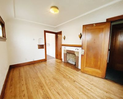Cozy and Convienent 1BD in South Milwaukee!