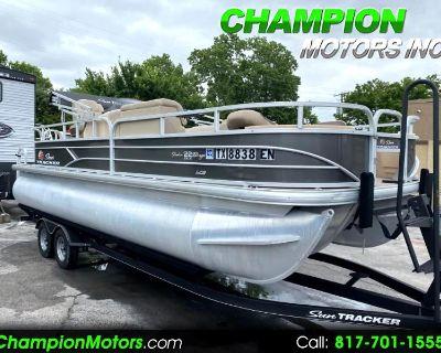 Used 2019 Sun Tracker Fishing Barge 22 DLX XP3 Tritoon w/Mercury 200HP 4S Pontoon Boat