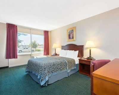 Blue Way Inn & Suites Wichita East-Standard 1 King Bed Non-Smoking - Wichita