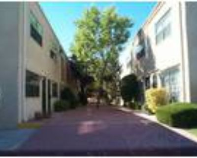 2 bedroom 2 story Townhouse located in the Casa Ladera condo