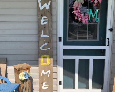Welcome Sign Friends