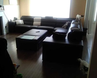 Extremely large Leather Sectional Sofa Set See add for mesurments please read ad fully.